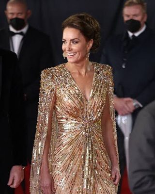 Let's all take a moment to imagine we are at the James Bond premiere looking as amazing as the Duchess ✨