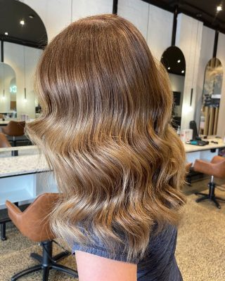 Open this Wednesday from 4pm - 6pm for all SJ&Co Colour Kit & product collections. This will be our last day to pick up prior to re-opening. DM to order! Side note, how beautiful is this colour blend.   Back in the salon soon creating colours like this & we are beyond excited. We are 50% through the waitlist, thank you to those that have already reached out to let me know the appointment I have tentatively made doesn't work (you can check this via your app) it helps soooo much & I appreciate you 🙏 #sjandcoau #sjandco #lockdownhair #melbournehairdresser #hairgoals